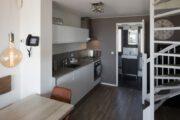 De keuken in de Roompot Largo Strandvilla's Hoek van Holland is van alle gemakken voorzien