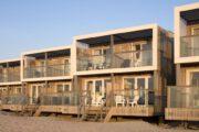 Roompot Largo Strandvilla's Hoek van Holland zijn moderne huisjes op het strand