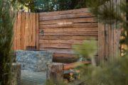 Afgeschermde tuin bij het tiny house