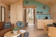 Interieur met veel hout