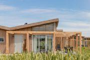 Close up van een duurzaam vakantiehuis in Zeeland