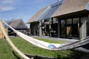 Hangmat in de tuin van het vakantiehuis